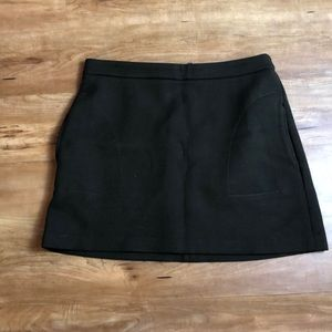 Zara cute mini skirt with zipper detail.